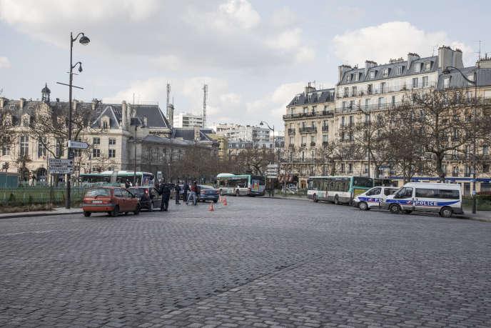 La crise sanitaire sera-t-elle l'occasion de penser la ville du quart d'heure?